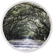 Live Oak Lane In Savannah Round Beach Towel