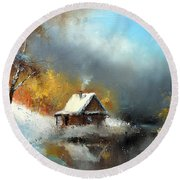 Lodge In The Winter Forest Round Beach Towel