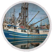 Round Beach Towel featuring the photograph Lofoten 2 by Randy Hall