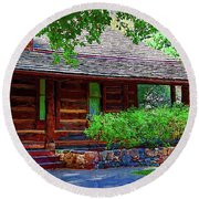 Log Cabin Front Porch Round Beach Towel