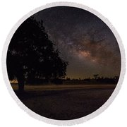 Lone Oak Under The Milky Way Round Beach Towel