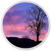 Lone Tree At Dawn Round Beach Towel