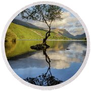 Lone Tree, Llyn Padarn Round Beach Towel