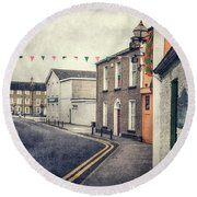 Lonesome Town Round Beach Towel