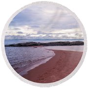Long Rock In Lake Superior Round Beach Towel