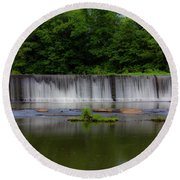 Long Waterfall Round Beach Towel