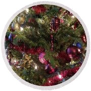Looking In At Christmas Round Beach Towel