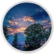 Looking West At Sunset Round Beach Towel