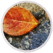 Loose Leaf Round Beach Towel