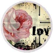Love Grunge Rose Round Beach Towel