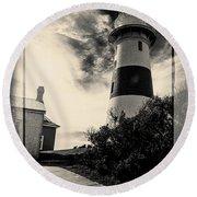 Low Head Lighthouse Round Beach Towel