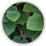 Low Key Green Vines Round Beach Towel