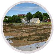 Low Tide At St. Andrews By The Sea Round Beach Towel