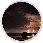 Low Tide With High Energy Round Beach Towel