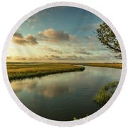 Pitt Street Bridge Creek Sunrise Round Beach Towel