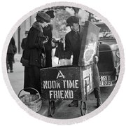 Lunch Cart In Washington D C Round Beach Towel