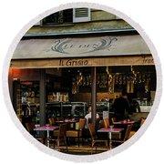 Lunch In Paris Round Beach Towel