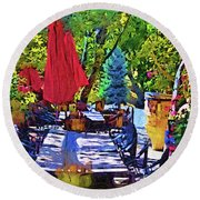 Lunch In Wine Country Round Beach Towel