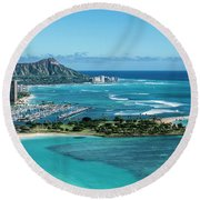 Magic Island To Diamond Head Round Beach Towel
