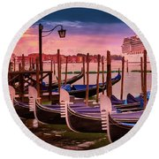 Magical Sunset In Venice Round Beach Towel
