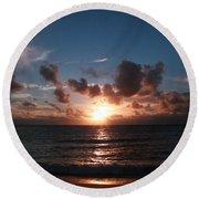 Ma'ili Sunset Round Beach Towel