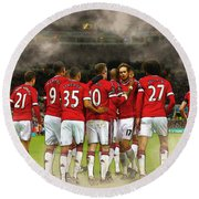 Manchester United  In Action  Round Beach Towel by Don Kuing