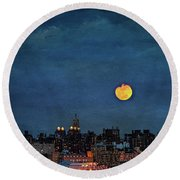Manhattan Moonrise Round Beach Towel