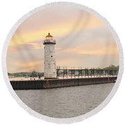 Manistee North Pierhead Lighthouse Round Beach Towel