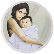 Mara And Il Bambino Round Beach Towel