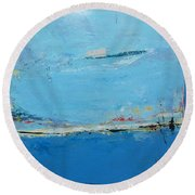 Marcher Vers Moi Round Beach Towel