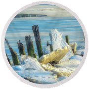 Marina On The Rocks Round Beach Towel