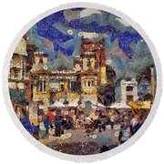 Market Square Monday Round Beach Towel
