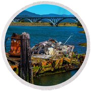 Mary D Hume Ship Wreck Round Beach Towel