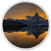 Matterhorn Milky Way Reflection Round Beach Towel