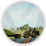 Menonnite Tobacco Farmer And Wife Round Beach Towel