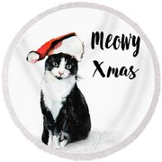 Round Beach Towel featuring the painting Meowy Xmas by Colleen Taylor
