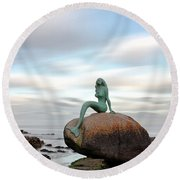 Mermaid Of The North Round Beach Towel
