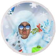 Merry Christmas And Kisses Round Beach Towel