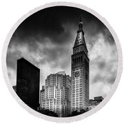 Round Beach Towel featuring the photograph Met-life Tower by Marvin Spates