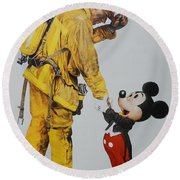 Mickey And The Bravest Round Beach Towel