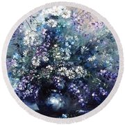 Mid Spring Blooms Round Beach Towel