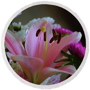Middle Lily Round Beach Towel