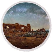 Milky Way At Arches Park Round Beach Towel
