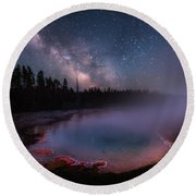 Milky Way In Yellowstone Round Beach Towel
