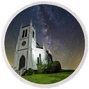 Round Beach Towel featuring the photograph Milky Way Over Church by Lori Coleman