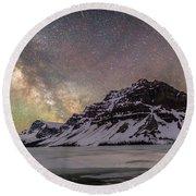 Milky Way Over Crowfoot Mountain Round Beach Towel
