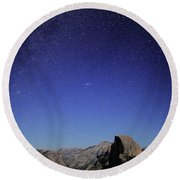 Milky Way Over Half Dome Round Beach Towel