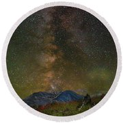 Milky Way Over Mount St Helens Round Beach Towel