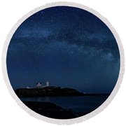 Milky Way Over Nubble Round Beach Towel
