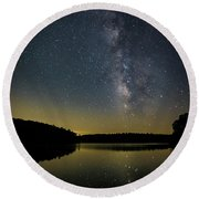 Milky Way Over Price Lake Round Beach Towel